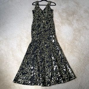 Long mermaid style prom sequins dress